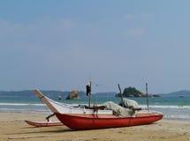 一艘传统五颜六色的捕鱼船 免版税库存照片