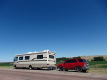 一艘住房汽车和充气救生艇在爱达荷 库存图片