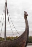 一艘古老军舰北欧海盗- Drakkar的片段 免版税库存照片