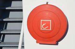 一艘捕鱼船的紧急firehose 免版税库存图片