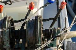 一艘捕鱼船的绞盘 免版税库存图片