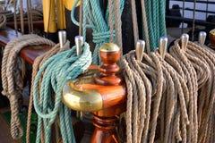 一艘老帆船的索具 免版税库存照片