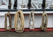 一艘老船的绳索 库存图片