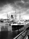 一艘船在马德罗港-阿根廷 库存图片
