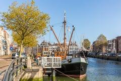 一艘船在马斯劳斯,荷兰港口  免版税库存照片