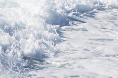 一艘轮渡船的波浪在开放海洋的 库存照片
