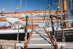 一艘高帆船的跑道 库存图片