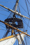 一艘高船的索具。 库存图片