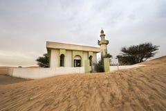 一被放弃的vllage的清真寺在迪拜附近 免版税库存图片