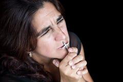 一西班牙妇女祈祷的情感画象 免版税库存图片