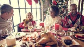 一起家庭圣诞节庆祝概念 免版税库存图片