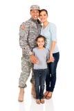 一起站立军事的家庭 图库摄影