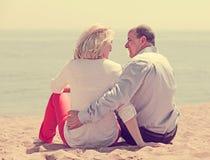 一起老人和成熟妇女背面图  免版税库存照片