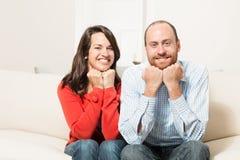 一起获得的夫妇乐趣 图库摄影