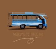 一辆公开公共汽车或木头出租汽车在普吉岛泰国 免版税库存照片