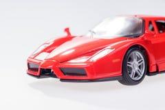 一辆典雅的红色跑车的正面图 免版税库存图片