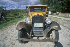 一辆古色古香的福特卡车在Bannack,蒙大拿 库存图片