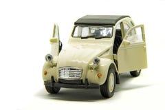 一辆史诗雪铁龙2CV汽车 免版税库存照片
