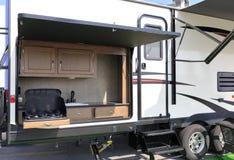 一辆大rv汽车的厨房 免版税库存照片