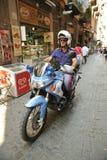 一辆摩托车的意大利警察在那不勒斯,意大利 免版税库存照片