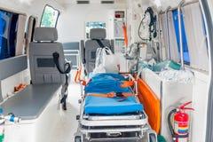 一辆救护车的内部用必要的设备为patien 免版税库存照片