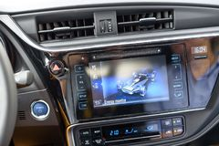 一辆新的丰田Auris混合动力车辆 库存照片