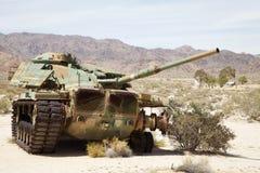 一辆有一点残破的坦克 库存照片