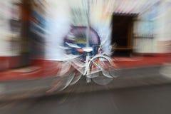 一辆爆炸的自行车的摘要 库存图片