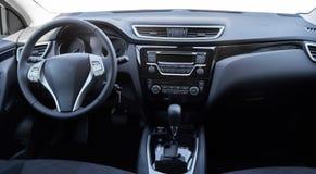一辆现代汽车的内部的看法显示dashboar的 免版税图库摄影