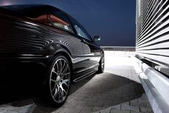 一辆现代汽车的后方侧视图 图库摄影