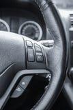 一辆现代汽车的方向盘 免版税库存图片