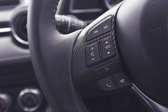 一辆现代汽车的音频控制按钮 免版税库存照片