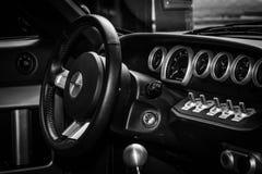 一辆现代跑车福特GT的驾驶舱 免版税图库摄影