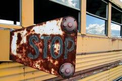 一辆生锈的公共汽车 免版税库存图片