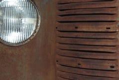 一辆生锈的葡萄酒汽车的细节 免版税库存照片