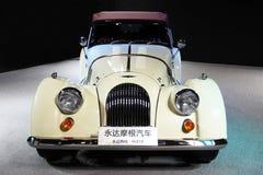 一辆白摩根跑车 免版税库存照片