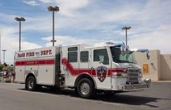 一辆白色救火车在亚利桑那 免版税库存图片