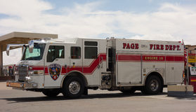 一辆白色救火车在亚利桑那 免版税库存照片
