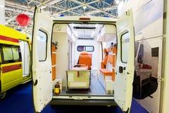一辆空的救护车汽车的内部 库存照片