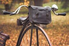 一辆老便士极少量自行车 免版税库存图片