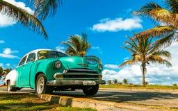 一辆老出租车在哈瓦那 免版税图库摄影