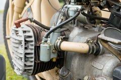 一辆老摩托车的引擎的细节 免版税库存照片
