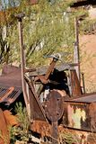 一辆老无盖货车的钢轮子 免版税图库摄影