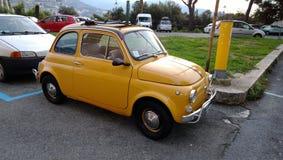 一辆老汽车在热那亚,意大利 图库摄影