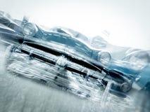 一辆老汽车射击了与行动迷离作用 免版税库存照片
