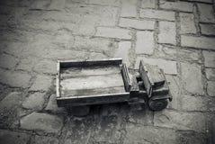 一辆老玩具卡车 图库摄影