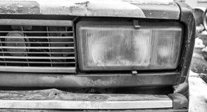 一辆老生锈的苏联汽车 Zhiguli 免版税库存图片