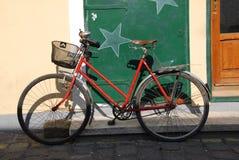 一辆老自行车 库存图片