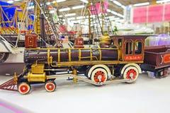 一辆老蒸汽机车的模型 库存图片