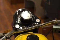 一辆老警察摩托车在军用设备博物馆  戈梅利 库存图片
